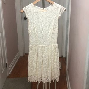 white lace fitted dress
